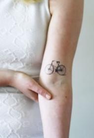 清新简约的自行车纹身图案大全