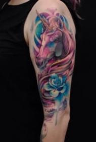 彩色的骏马纹身图案大全