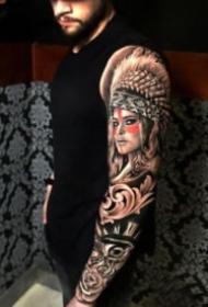 欧美风格的大黑花臂纹身图案欣赏