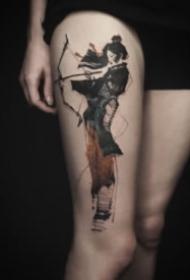 大腿和大臂处设计感的水墨纹身图案