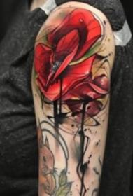 红色school风格的玫瑰花朵纹身图案