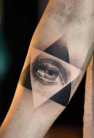 一组关于眼睛的纹身图案大全