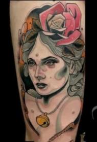 school的欧美女郎人像纹身图案