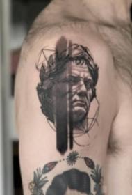 黑白照写实的人物肖像纹身图案