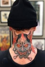 后颈部脖子上的个性纹身图案大全
