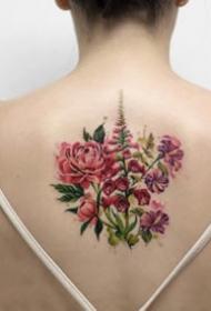 女孩子喜欢的18组小清新花卉纹身图案