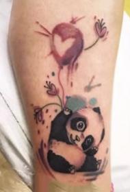 关于熊猫的创意小纹身图案大全