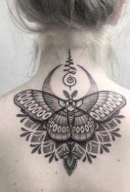 女生后颈部好看的点刺梵花纹身图案