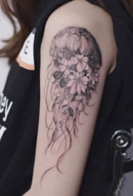 简约小清新的水母纹身图案大全