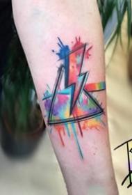 简单的三角形水彩纹身图案大全