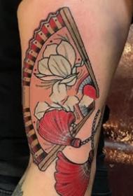 日式风格好看的扇子纹身图案