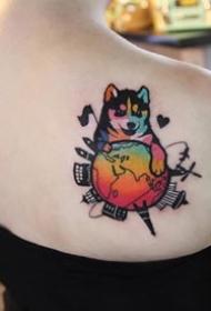 拼接一起的个性彩色纹身图案