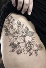 漂亮时尚的扫针素花纹身图案