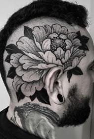 暗黑灰色的花卉纹身图案大全