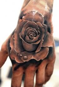 技巧性十足的手背纹身图案