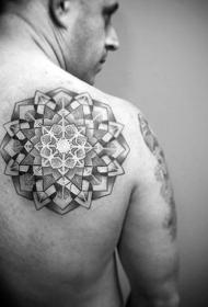 抽象而又动感的背部纹身图案