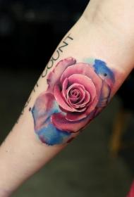 蓓蕾初开的玫瑰纹身图案