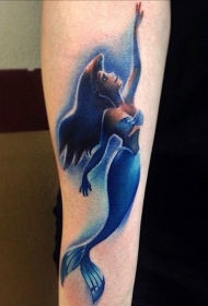 纹身美人鱼 漂亮的卡通人物美人鱼纹身图案