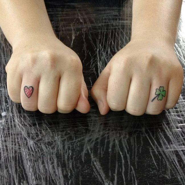 纹身四叶草图案 好运连连的植物四叶草纹身图案