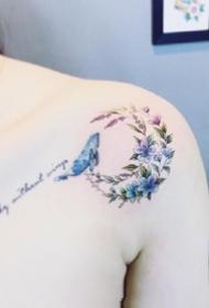 女生锁骨性感的小清新纹身套图