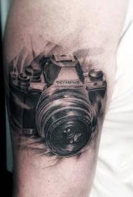纹在手臂上的照相机纹身图案