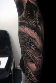 纹身老鹰图案  迅猛而又霸气的老鹰纹身图案