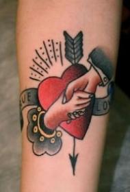 象征爱情的心形牵手school纹身作品