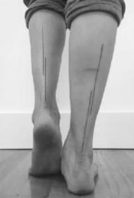 一条简单的直线纹身 蕴藏纹身师多年的纹身功底