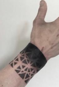 臂环纹身图 好看的一组小臂上臂环纹身作品