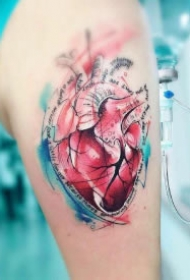 好看的8款心脏纹身作品图案