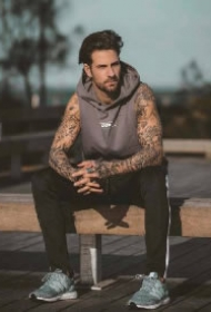 型男纹身 一组欧美的纹身帅哥图案赏析