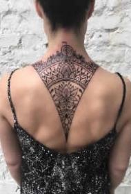 背部梵花纹身 女士背部好看的梵花纹身图案作品