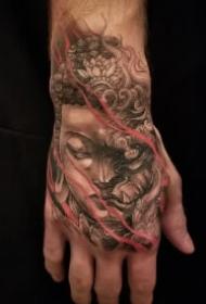 花手主题的23款手背纹身作品图案