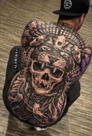 霸气的9款欧美黑灰大满背纹身作品图案
