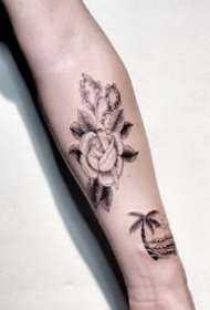 一组school风格纹身拼接图案