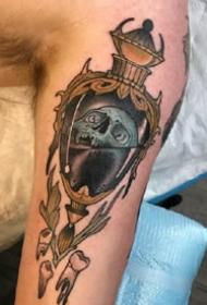 一组抽象oldschool手臂纹身