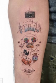 一组小清新彩色卡通可爱纹身