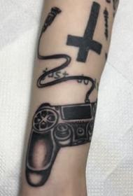 一组创意东京手臂纹身图案