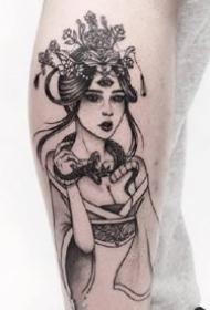 一组暗黑女生肖像纹身图案