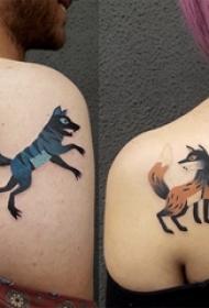 后肩纹身 情侣后肩上彩色的狼和狐狸纹身图案