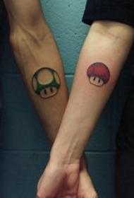 情侣小清新纹身 情侣手臂上彩色卡通纹身图案