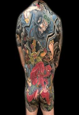大满背彩色的钟馗纹身图案